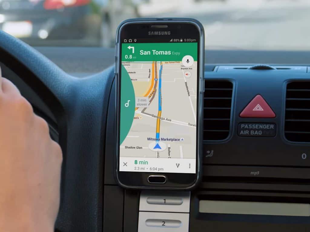 كيف تمنع هاتفك من تشتيت انتباهك أثناء قيادة السيارة
