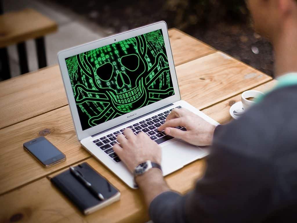 كيف تتخلص من البرامج الخبيثة على حاسوبك