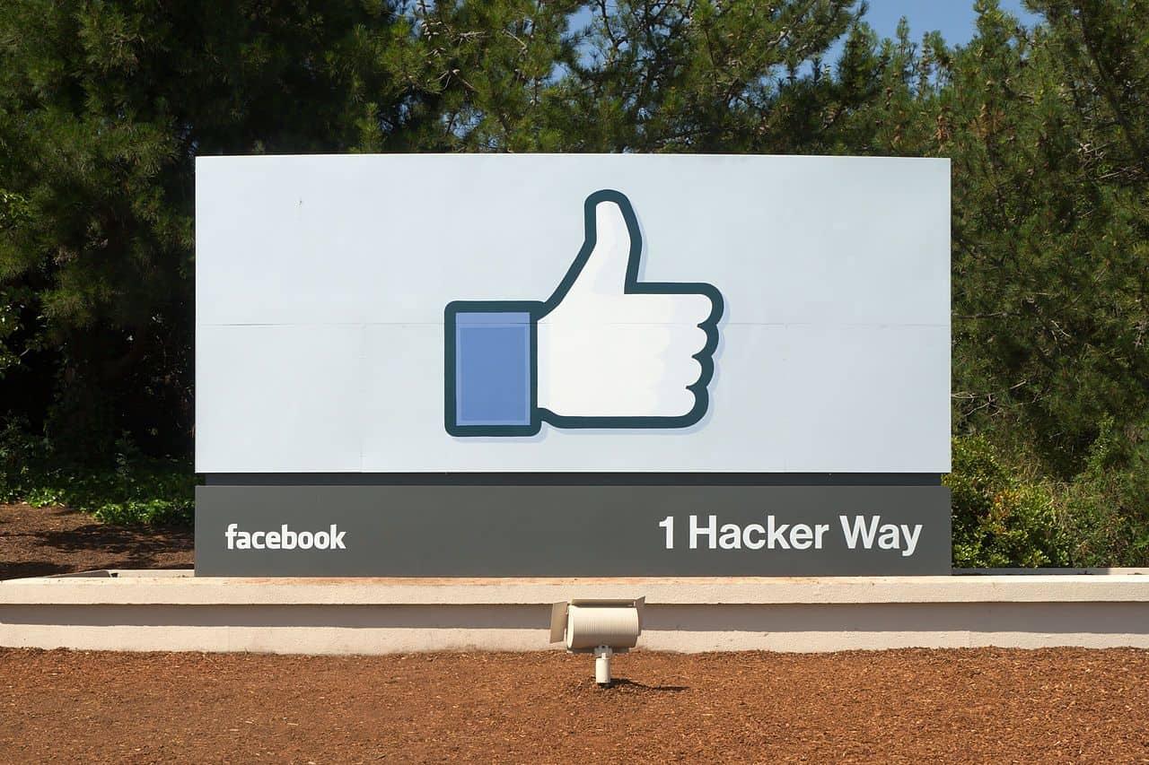 فيسبوك تعيّن 3000 مراقب محتوى جديد لأداء عمل لا يستطيع الذكاء الاصطناعي أداءه