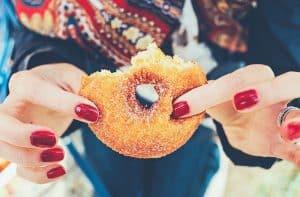 هل تعلم شيئاً عن مقدار السكر الموجود في الأطعمة