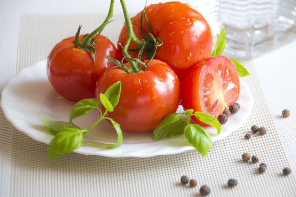 كيف عدّل العلماء الطفرات الطبيعية للحصول على طماطم ذات مواصفات أفضل