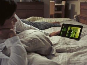أفضل الطرق لمشاهدة الأفلام والبرامج التلفزيونية على هاتفك