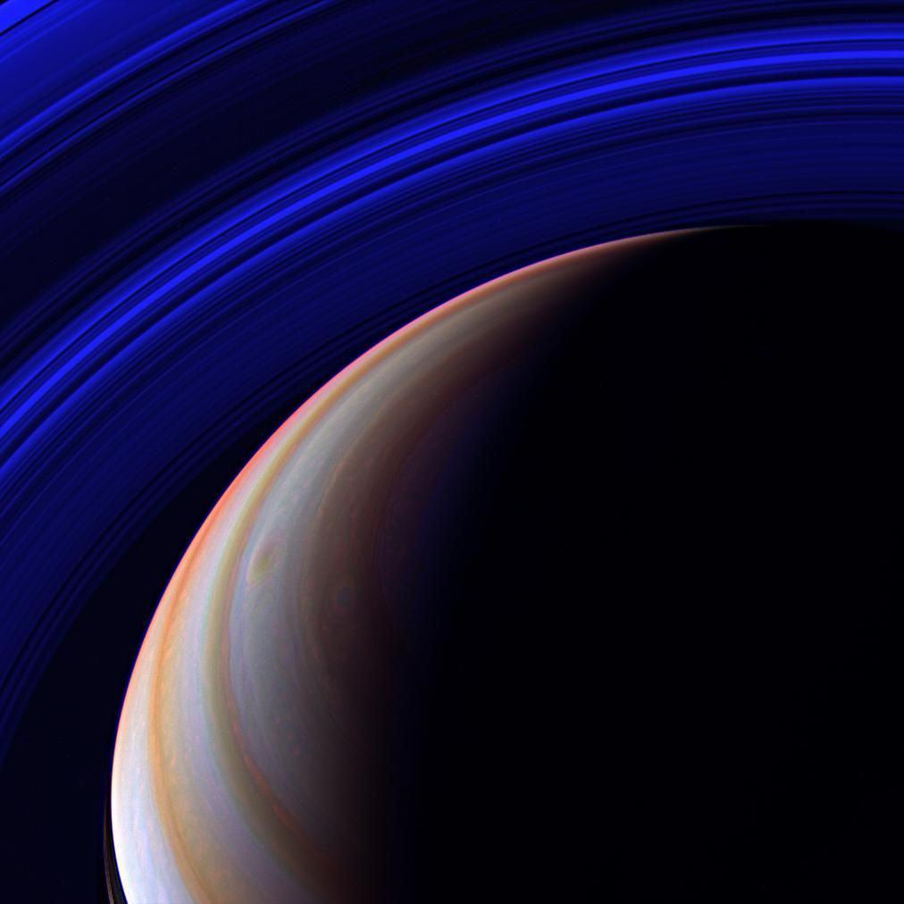 52 بطاقة بريدية من أروع ما أرسلته كاسيني من أطراف النظام الشمسي