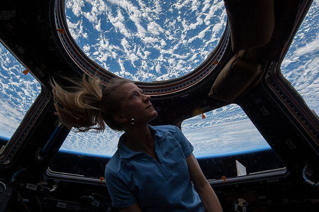 20 عاماً في المدار: محطة الفضاء الدولية تخبرنا تجربة العيش في الفضاء