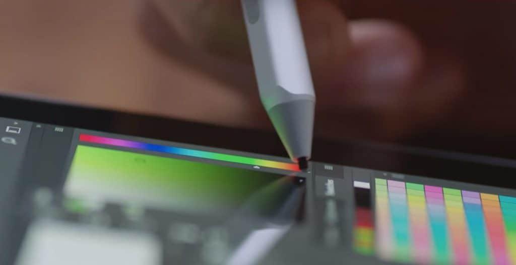 مايكروسوفت تتوجه إلى فناني العالم الرقمي بتحديثات جوهرية لقلمها الإلكتروني