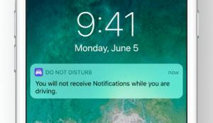 كيف يعلم هاتفك الآيفون بأنك ضمن سيارةٍ متحركة