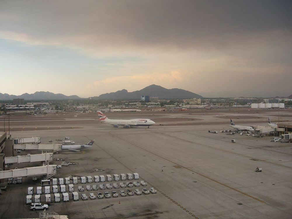 درجة حرارة مطار فينيكس المرتفعة تمنع الطائرات من الإقلاع