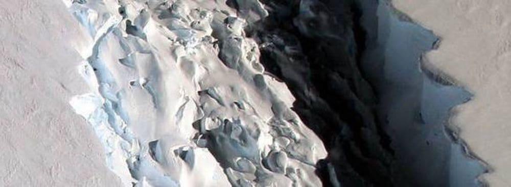 انفصال جبل جليدي بحجم ولاية ديلاوير الأميركية في القارة القطبية الجنوبية