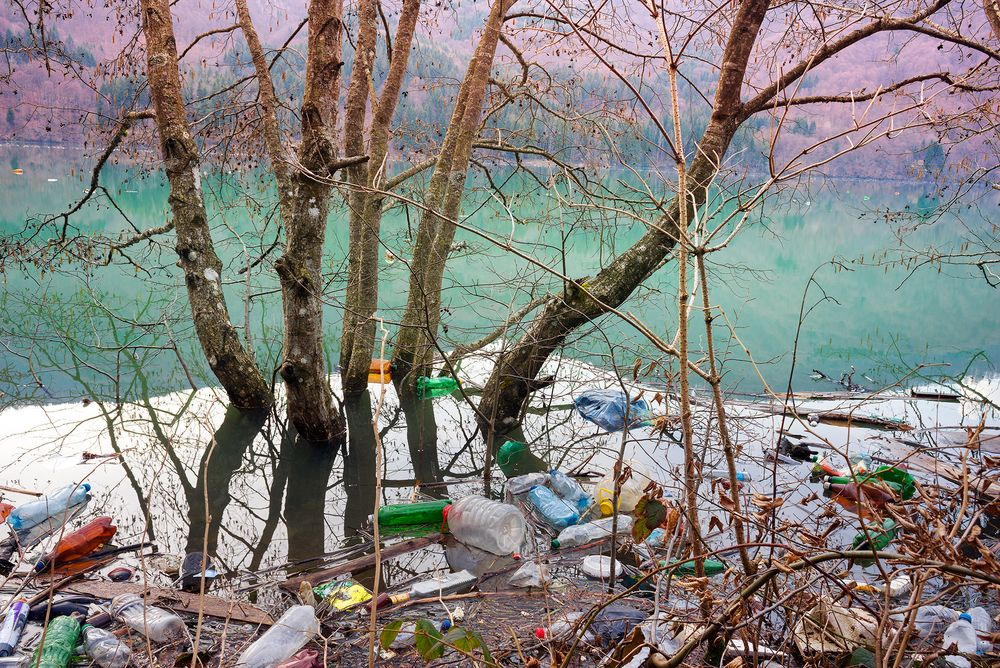 أنتج البشر 9.1 مليار طن من البلاستيك. وهذه بعض الوسائل التي تجعلك تساهم في إيقاف هذا الجنون