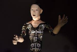 لا تخافوا من هذا الروبوت