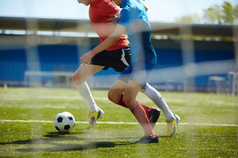 احتمال عودة لاعبات كرة قدم إلى الملعب بعد الإصابة بارتجاج المخ أكبر بـ5 أضعاف منه عند الذكور
