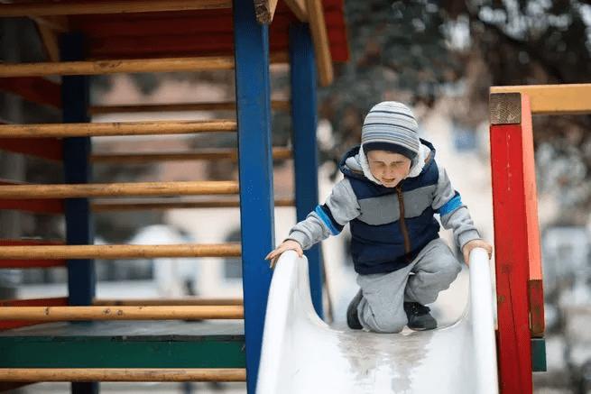 دراسة ترصد تأثير التغيب المبكر عن المدرسة في المستقبل
