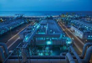 صور من داخل أكبر محطة لتحلية المياه في دبي