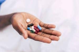 هذا ما يجب أن تعرفيه عن العلاج الهرموني لانقطاع الطمث