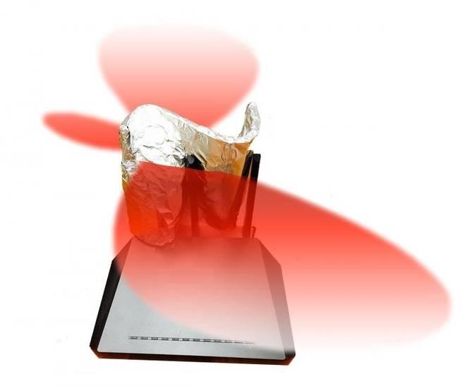 يمكنك استخدام ورق الألومنيوم لتقوية إشارة الواي فاي