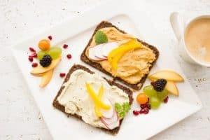 هل تعتبر وجبة الفطور هي الأهم حقاً؟