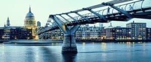 اهتزاز الجسور المعلقة مشكلة لا يرغب المهندسون في رؤيتها