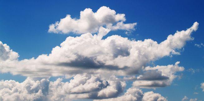 حين أمطرت السماء دماً، وظواهر مناخية أخرى