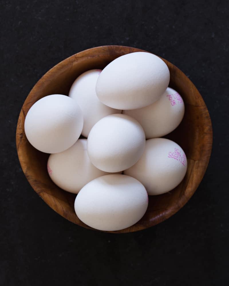 البيض المسخن في المايكرويف لا يسبب أذى دائماً في السمع