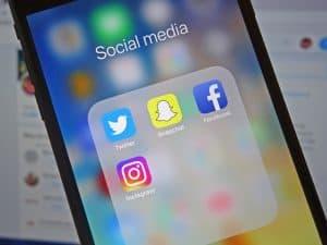 كيف تحتفظ بكافة منشوراتك على مواقع التواصل الاجتماعي