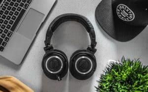 سماع الموسيقى يؤدي إلي زيادة إنتاجيتك وتركيزك أثناء العمل