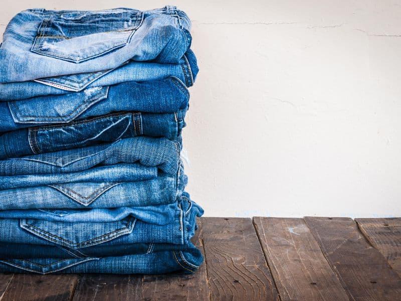 هل وجد العلماء طريقة لا تضر بالبيئة لصناعة الجينز الأزرق؟