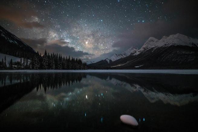استغلّ برودة الطقس للاستمتاع بمشاهدة السماء ليلاً وتصويرها