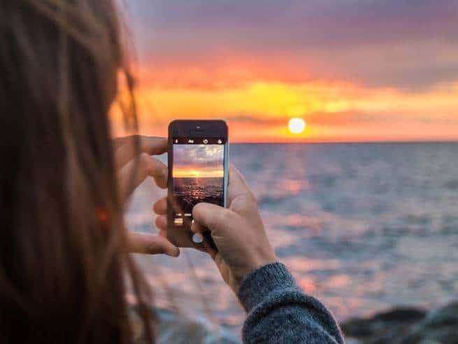 كيف تشارك صورك دون التعرض لتسربها وانتشارها في الإنترنت؟