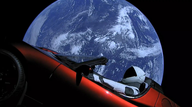 ما الذي يمكن أن يعترض طريق ويدمّر سيارة تسلا في الفضاء؟