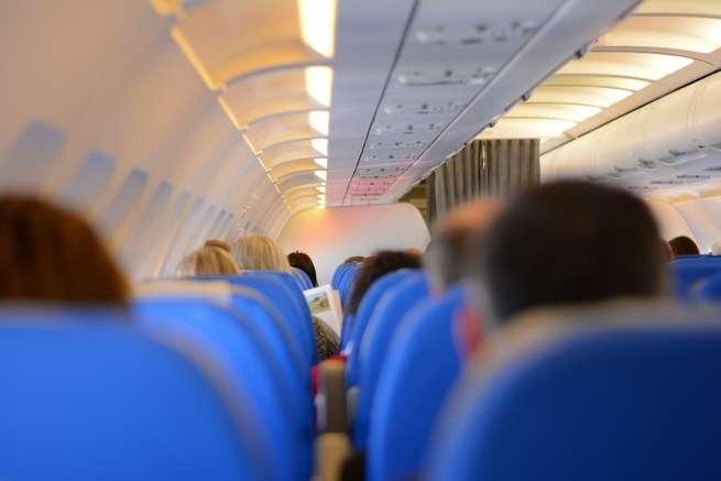 هل الطائرات مليئة فعلاً بالجراثيم المسببة للأمراض؟