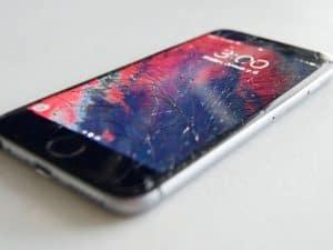 كيف تصلح هاتفك الذكي في الحالات الطارئة؟