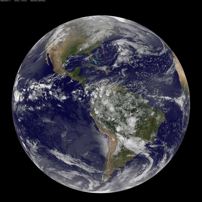 كيف تتجنب مشاركة صور مزيفة للمحطة الفضائية التي تحطمت مؤخراً على الأرض