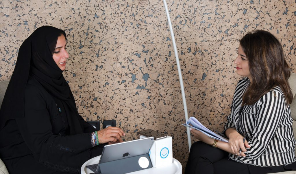 عائشة بن بشر ودبي الذكية: من حلم في 2012 إلى عاصمة البلوك تشين في 2018