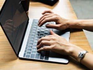 استكشف شبكة الإنترنت بشكل أسرع مع هذه الاختصارات للوحة المفاتيح