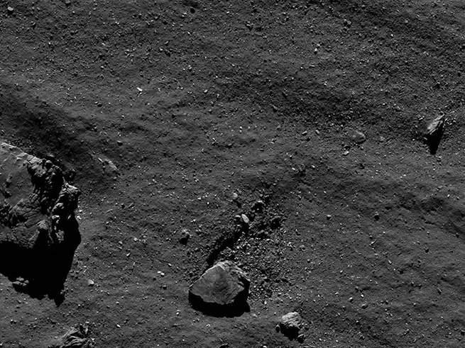 15 صورة مذهلة التقطتها المركبة الفضائية روزيتا
