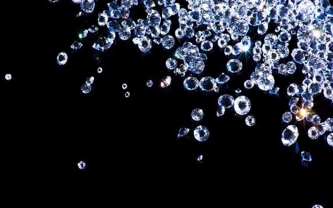 يعتقد الجيولوجيون بوجود كوادريليون طن من الماس داخل كوكبنا الأرضي