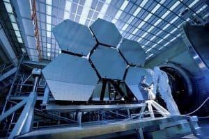 البراغي المرتخية والتفاؤل المشدود سبب آخر التأجيلات في إطلاق التلسكوب الفضائي الجديد لناسا