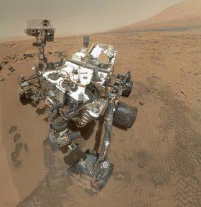 هل هناك حياة على المريخ؟ لم يحسم الموضوع بعد، ولكن العلماء اكتشفوا مواد عضوية قديمة في صخور الكوكب الأحمر.