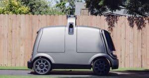 سيارة ذاتية التحكم لتوصيل البقالة تضحي بنفسها لإنقاذ المارة