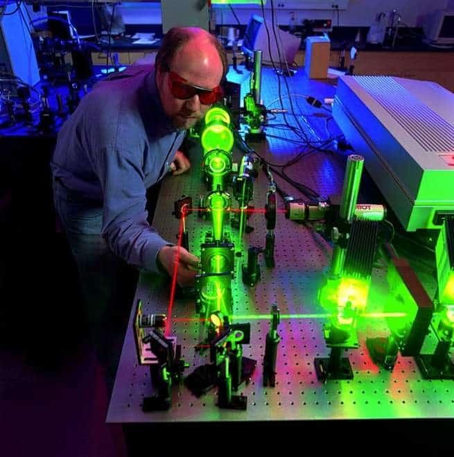 من الطب إلى الكاميرات الليلية: أول كاشف ضوئي لجميع أطياف الضوء