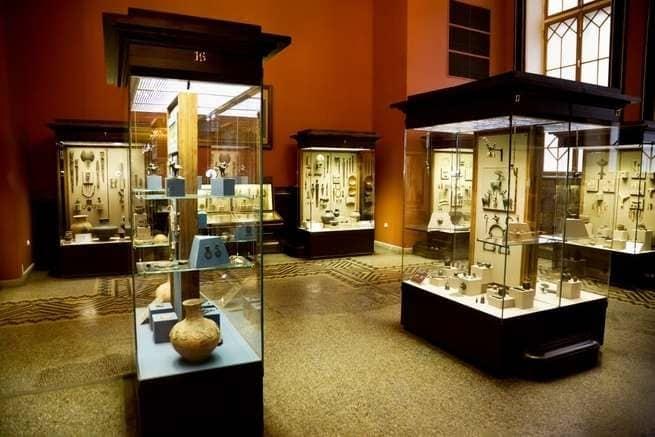 الحريق المدمر في متحف البرازيل الوطني يعكس مشكلة عالمية