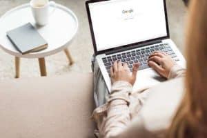ماذا يقول جوجل عنك؟ وكيف يمكنك أن تغير ذلك؟