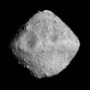 ما الفرق بين الكويكب والمذنب؟