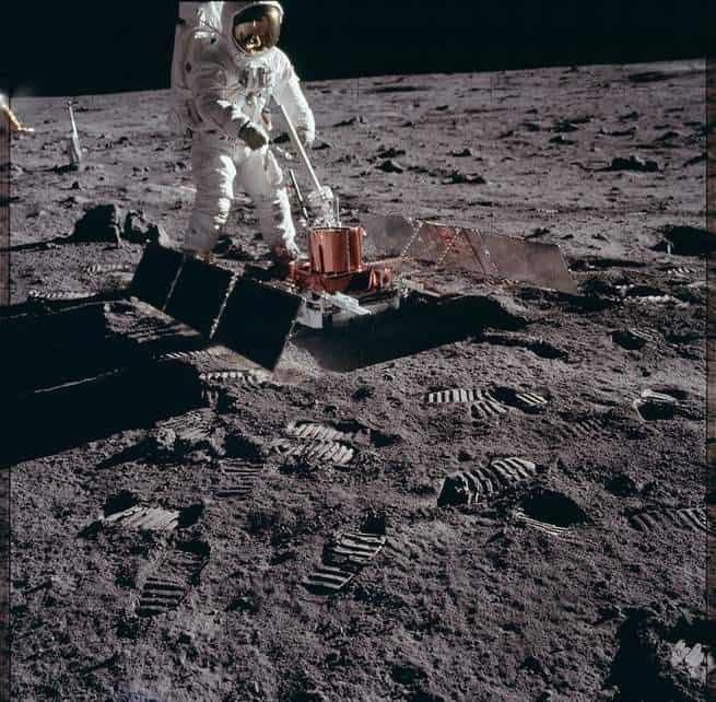 أول امرأة: ناسا تعلن عن خطتها لعودة البشر إلى القمر عام 2024