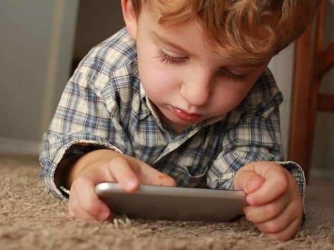 تعلم كيف تحمي أطفالك من المحتوى غير اللائق على الإنترنت
