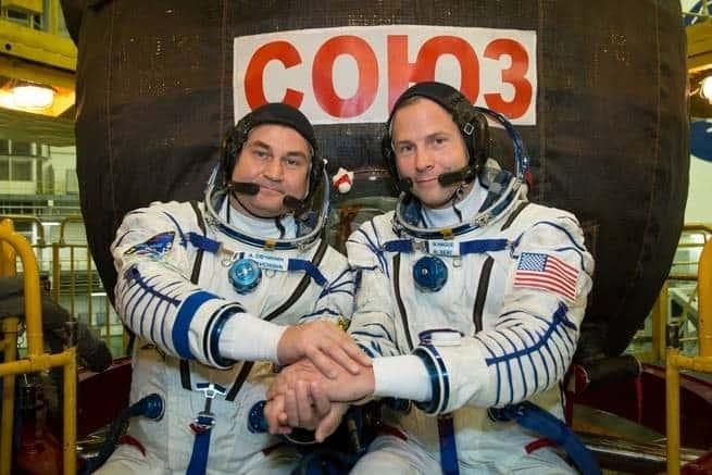 ماذا حدث لرائدَي الفضاء عندما اضطرا إلى تنفيذ هبوط تسياري؟