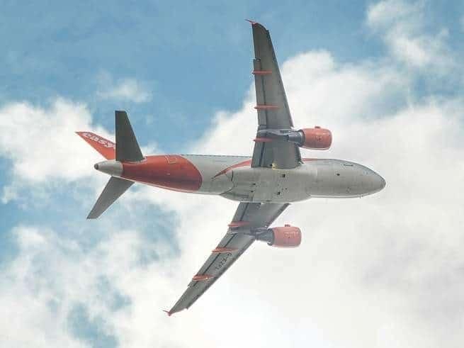 كيف تحلق الطائرات في الهواء؟