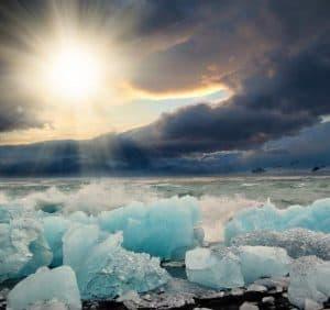 الأرصاد الجوية العالمية: القطب الشمالي صار أكثر دفئاً من فلوريدا الأميركية