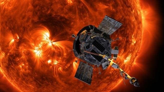 المسبار الشمسي باركر من ناسا يحطِّم رقمين قياسيين تاريخيين في طريقه نحو الشمس