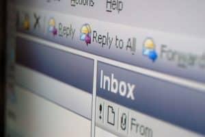 كيف تحذف بريدك الإلكتروني القديم دون الندم على ذلك لاحقاً؟